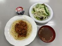 野菜ごろごろミートソース